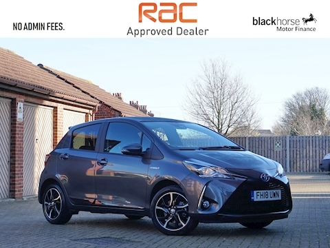 Toyota Yaris Vvt-I Design Hatchback 1.5 Cvt Petrol/Electric