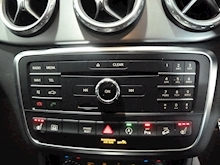 Mercedes-Benz GLA-Class Gla 220d 4Matic Amg Line Premium Plus - Thumb 19
