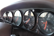 Porsche 911 (993) 3.6 Carrera 4 Coupe - Thumb 29