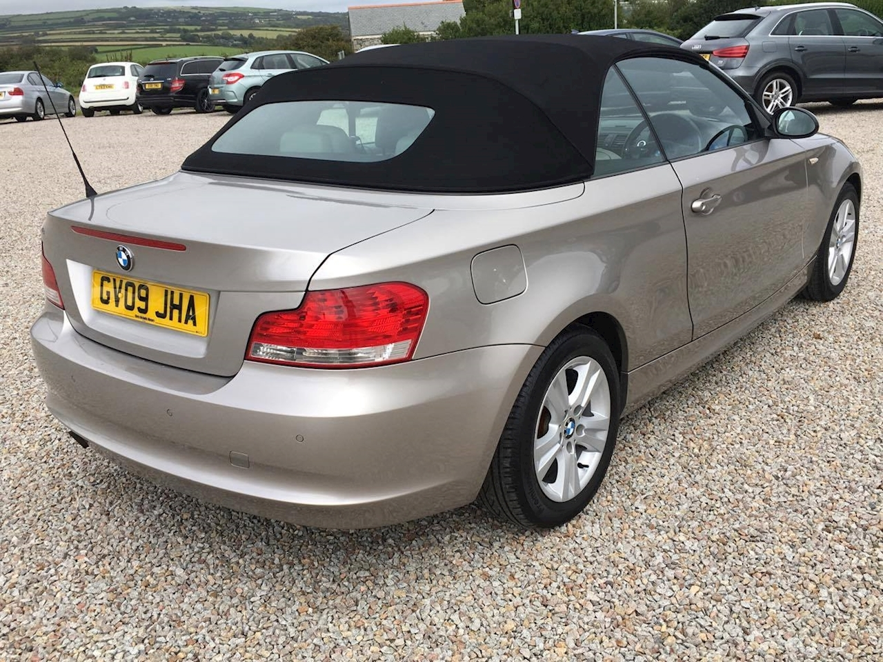 used 2009 bmw 1 series 2 0 petrol 118i se convertible. Black Bedroom Furniture Sets. Home Design Ideas