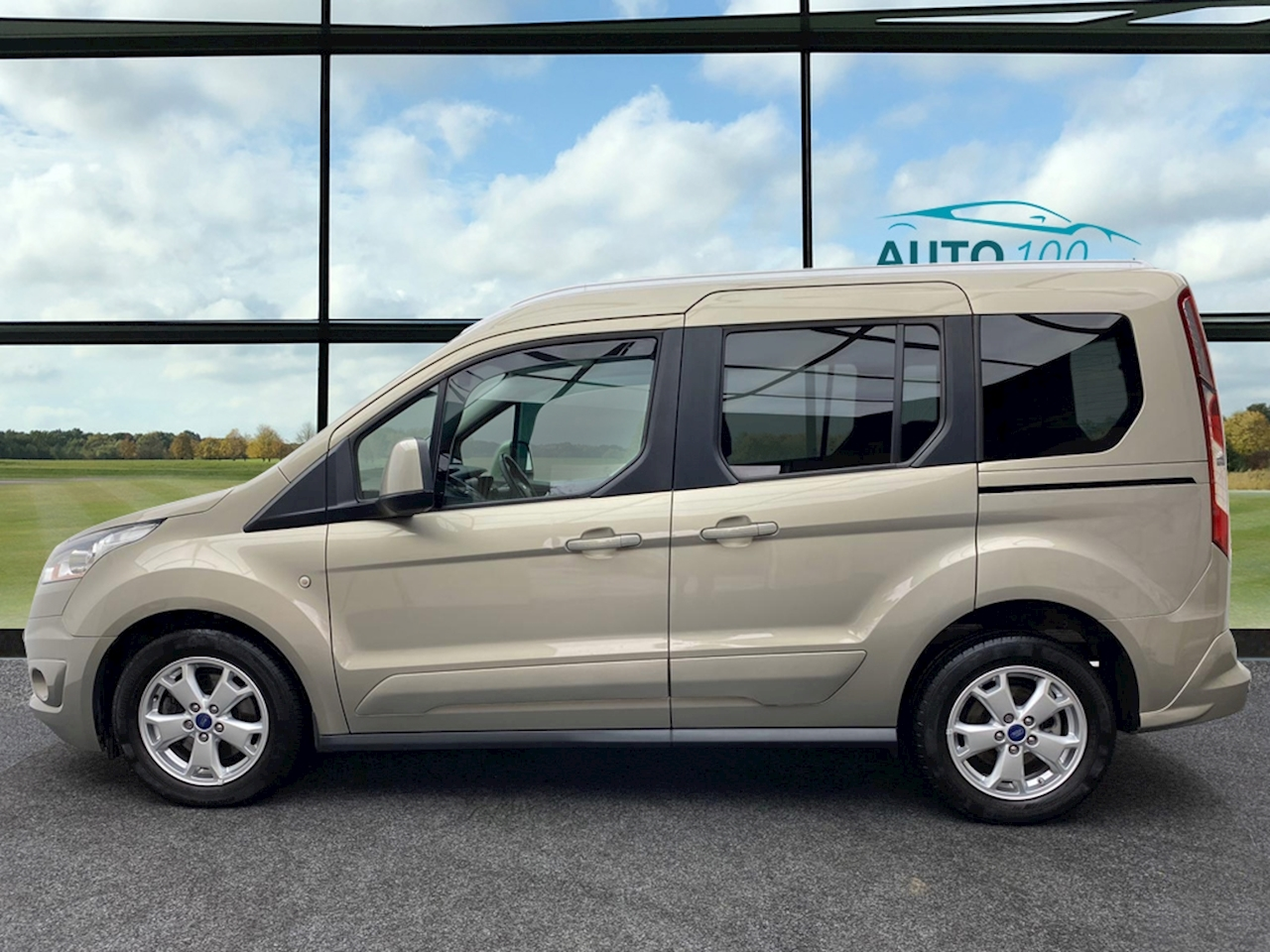 Ford Tourneo Connect Titanium Tdci Van With Side Windows 1.6 Manual Diesel