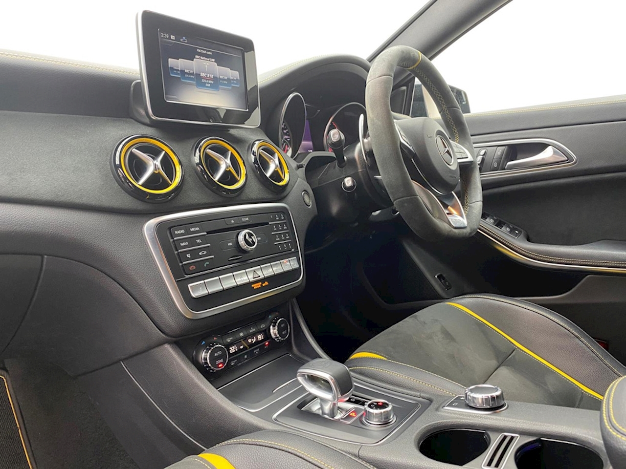 Mercedes-Benz Cla Amg Cla 45 4Matic Yellow Night Edition Saloon 2.0 Automatic Petrol