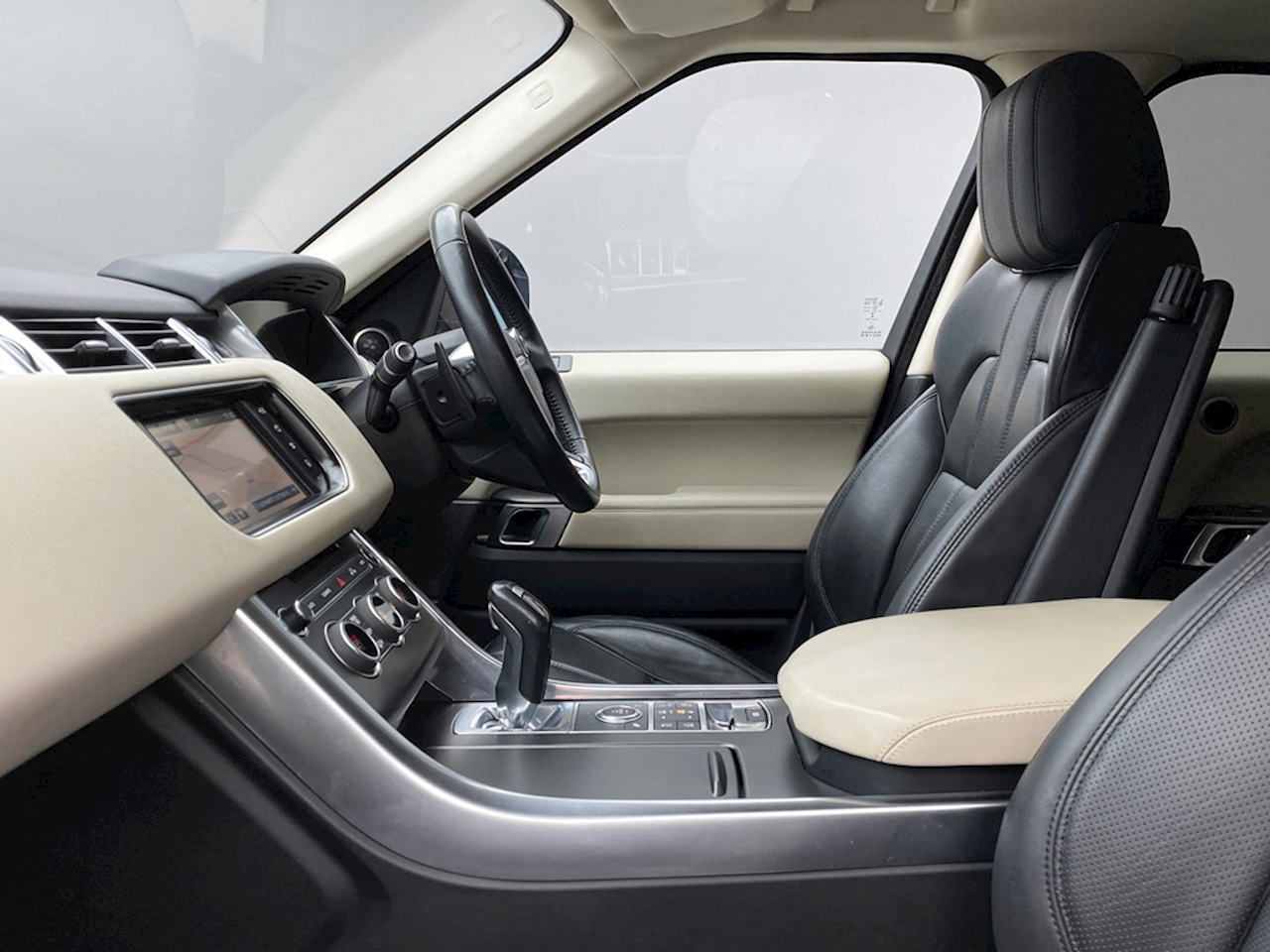 Land Rover 3.0 SD V6 HSE Dynamic SUV 5dr Diesel Automatic 4X4 (s/s) (185 g/km, 306 bhp)