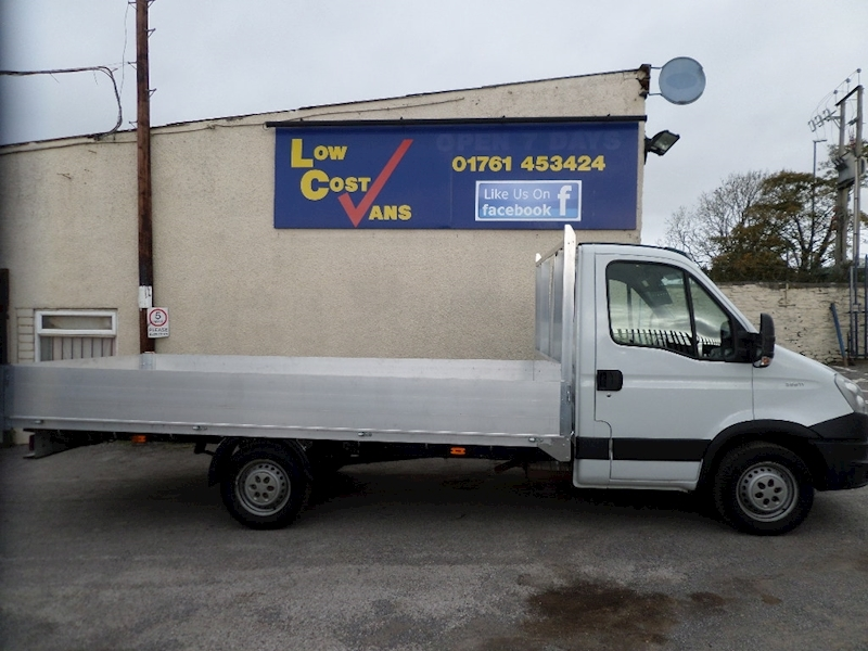 Iveco Daily 35S 11 Mwb 14 FT New Alloy Body AUTO MATIC