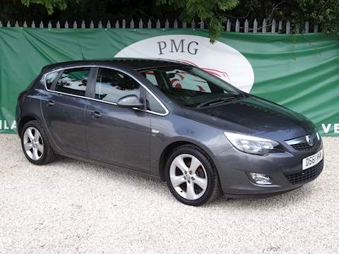 Astra Sri Hatchback 1.6 Manual Petrol