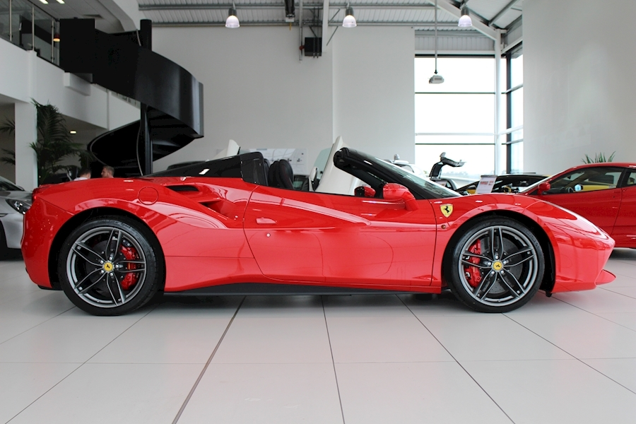 Ferrari 488 Spider - Large 2