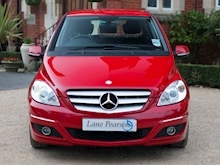 Mercedes-Benz B180 2011 SE - Thumb 2