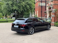 Audi A4 Avant 2017 Black Edition - Thumb 4