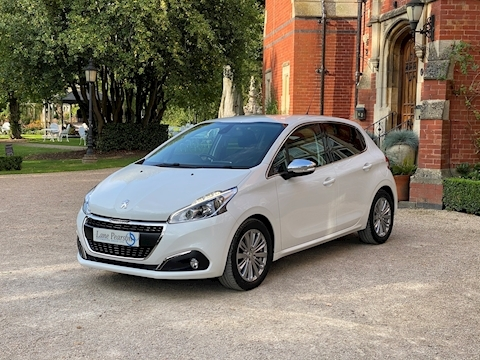 208 Allure 1.2 5dr Hatchback Manual Petrol