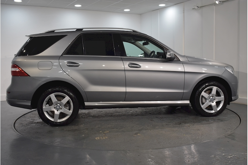 Mercedes-Benz – M-Class Ml350 Bluetec Amg Sport 3.0 5dr SUV Automatic Diesel (2013) full