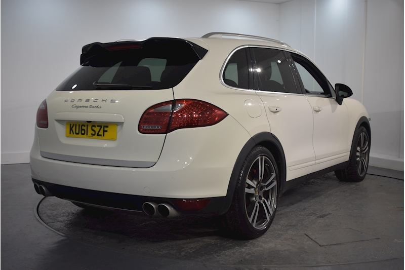 Porsche – Cayenne V8 Turbo Tiptronic S 4.8 5dr SUV Automatic Petrol (2011) full
