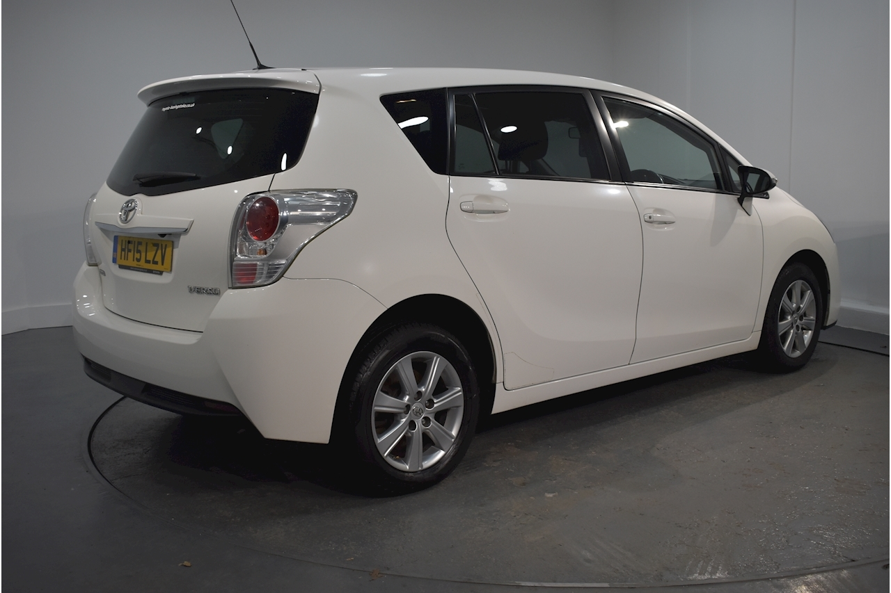 Toyota 1.6 D-4D Icon MPV 5dr Diesel (s/s) (110 bhp)